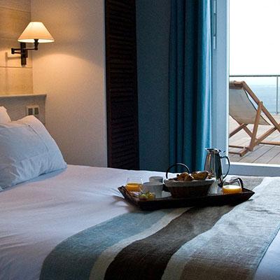 Chambre d'hôtel terrasse vue sur mer